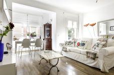 Ferienwohnung in Barcelona - MONTJUICH apartment - Poble Sec